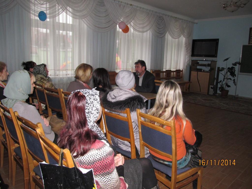 Директор воскресной школы провел лекцию — беседу для родителей