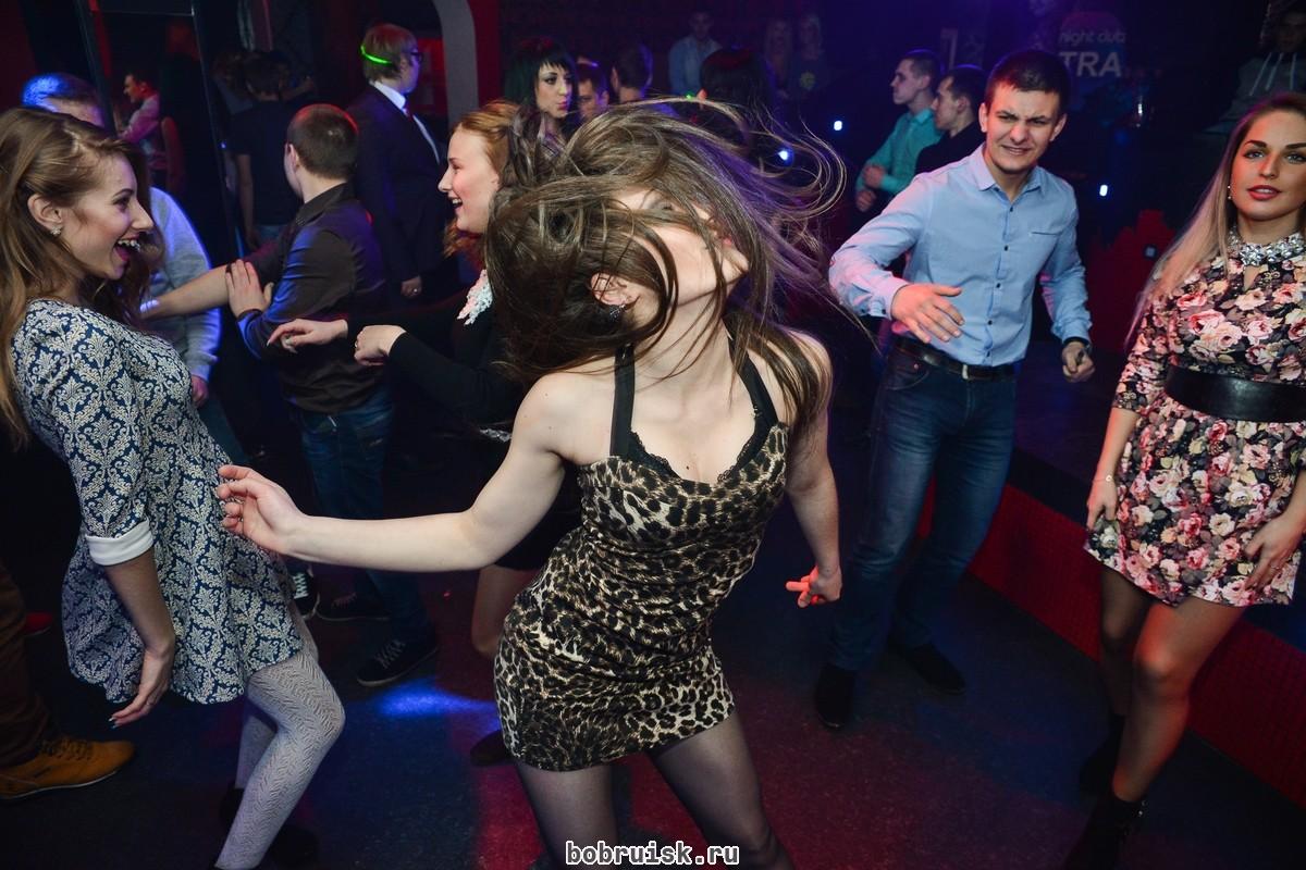 Русские в клубе правильно делать куни