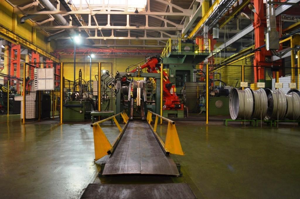 Двоих рабочих бобруйского завода автодеталей подозревают в краже продукции на 78 млн рублей