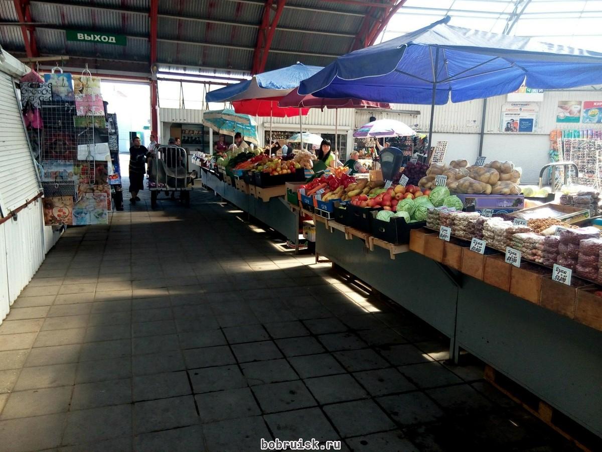 На рынках Бобруйска появилась свежая клубника. По 100 тысяч за кило