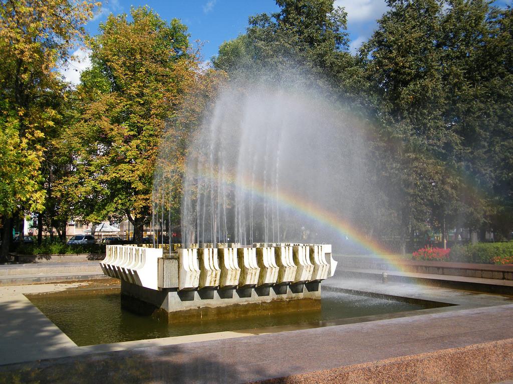 Главный фонтан Бобруйска станет разноцветным