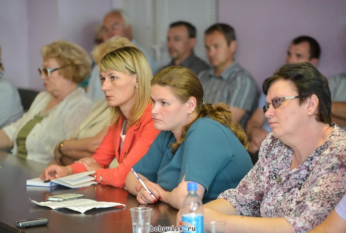 Председатель Бобруйского горисполкома ответил на вопросы представителей бобруйской общественности