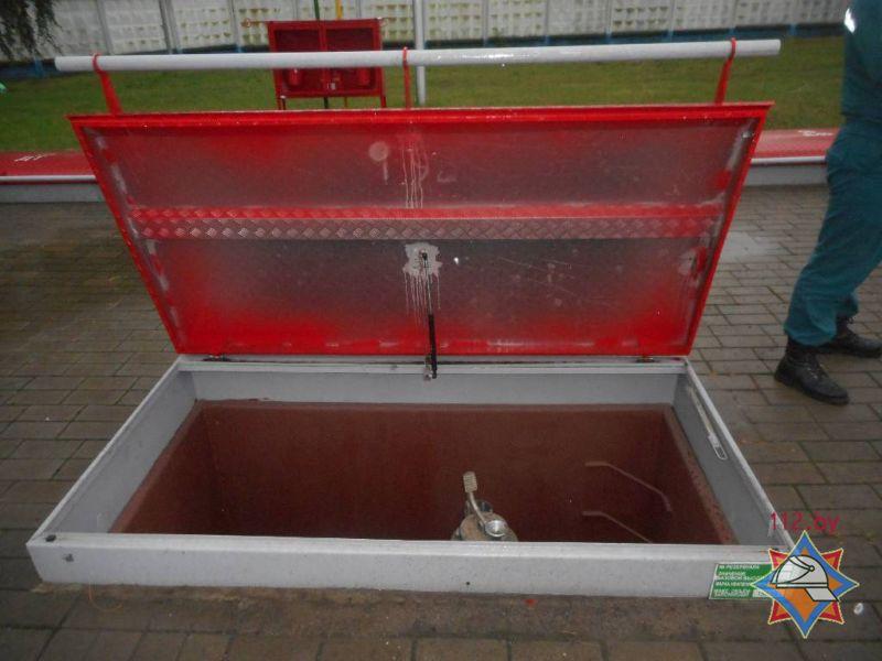 На АЗС в Бобруйске в крышку емкости с дизтопливом попал грозовой разряд