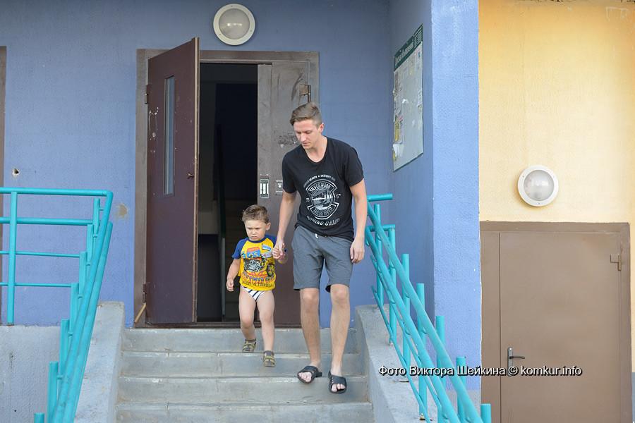 18-тиэтажка на пересечении улицы Шинной и проспекта Строителей 6 августа стала объектом пристального внимания работников МЧС, ГАИ, скорой медицинской помощи и жителей пятого микрорайона.