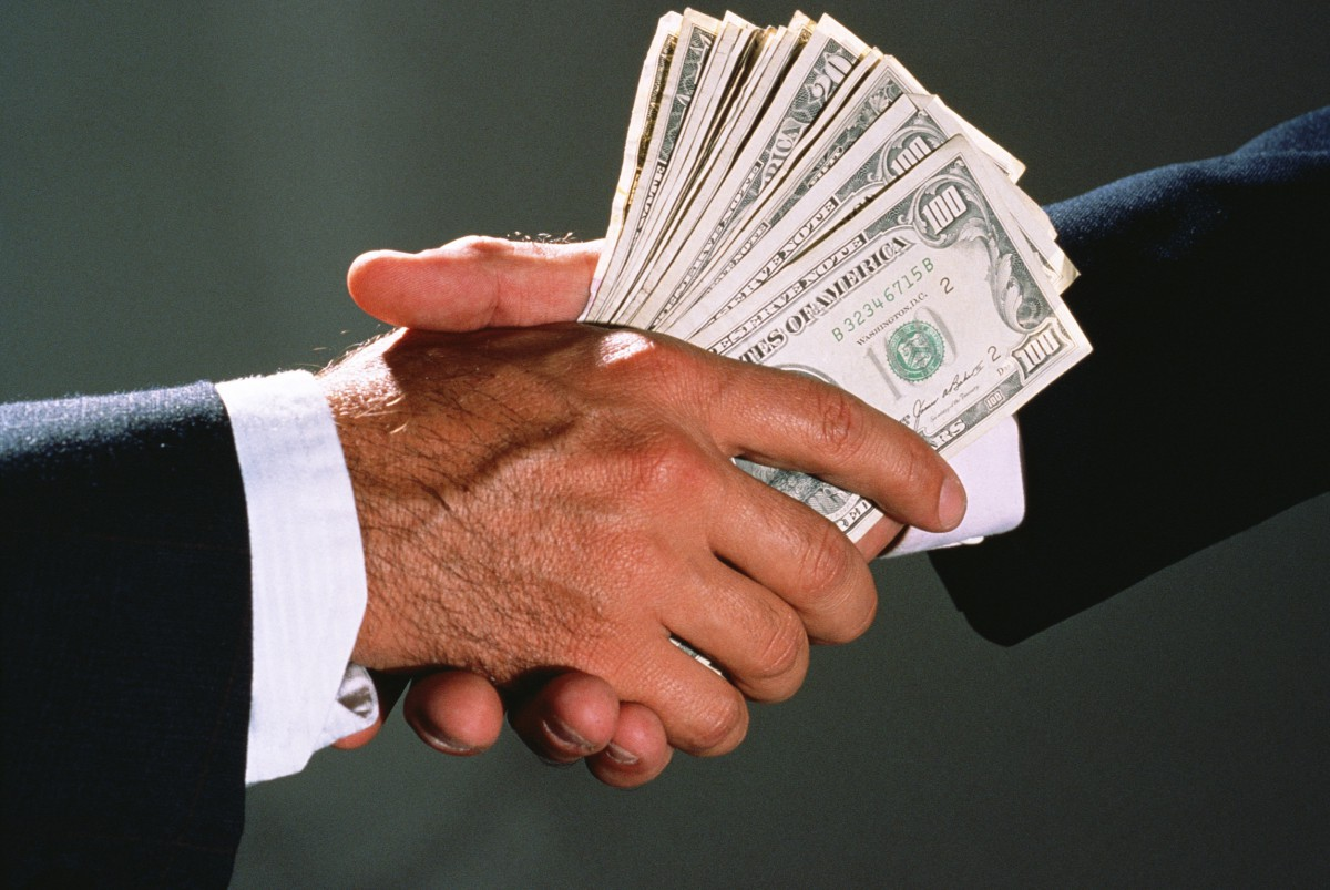 27 преступлений, имеющих признаки коррупции, были выявлены с начала года в Бобруйске