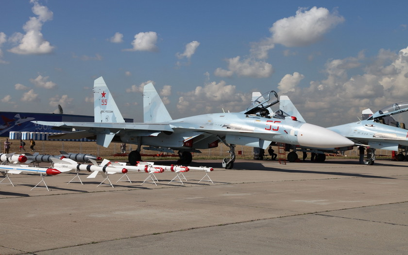 Соглашение о российской авиабазе в Беларуси предложили подписать Путину