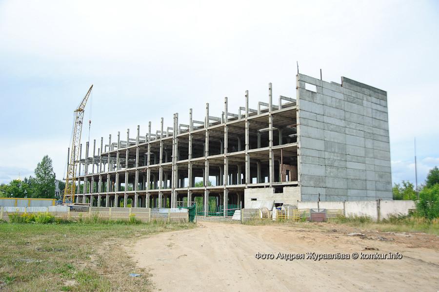Как и следовало ожидать, планы минской фирмы «РАПА-маркетинг» относительно реанимации долгостроя на улице Минской, известного как «этажерка», так и не будут реализованы в заявленные сроки. …Если вообще будут.