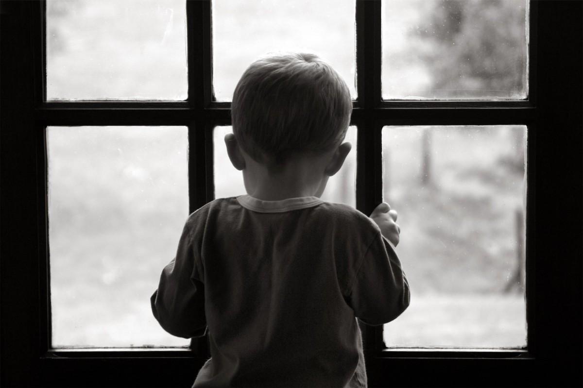 Из окна пятого этажа в Бобруйске выпал ребенок