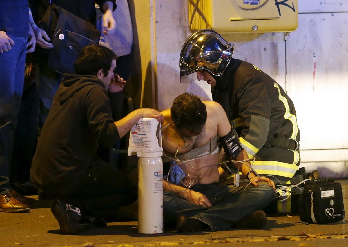 Террористическая атака в Париже: заложники и более ста погибших