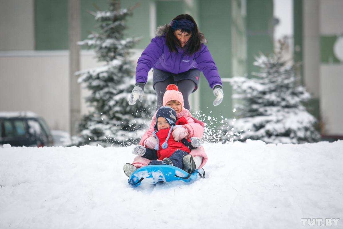 Погода в длинные выходные: снег, мороз, и никаких циклонов