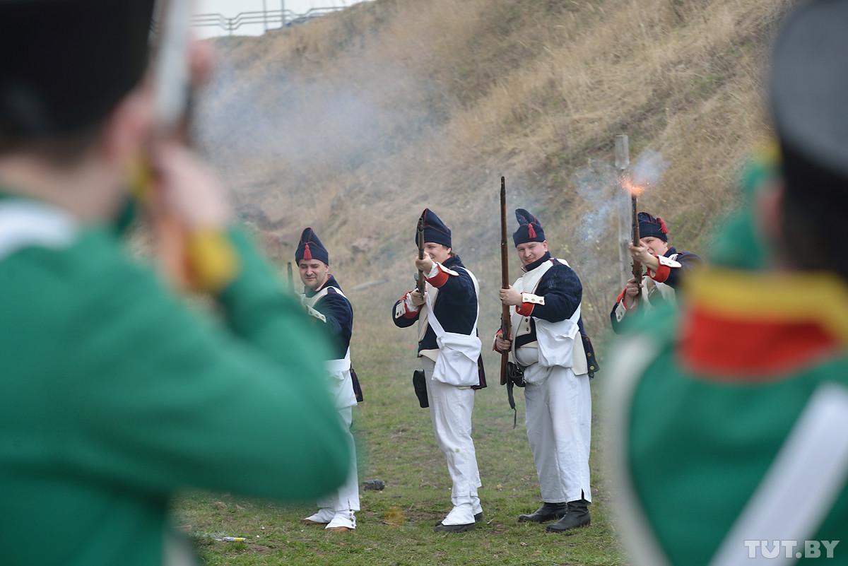 Почувствовали себя солдатами армии образца 1812 года. Как дети в Бобруйске крепость штурмом брали
