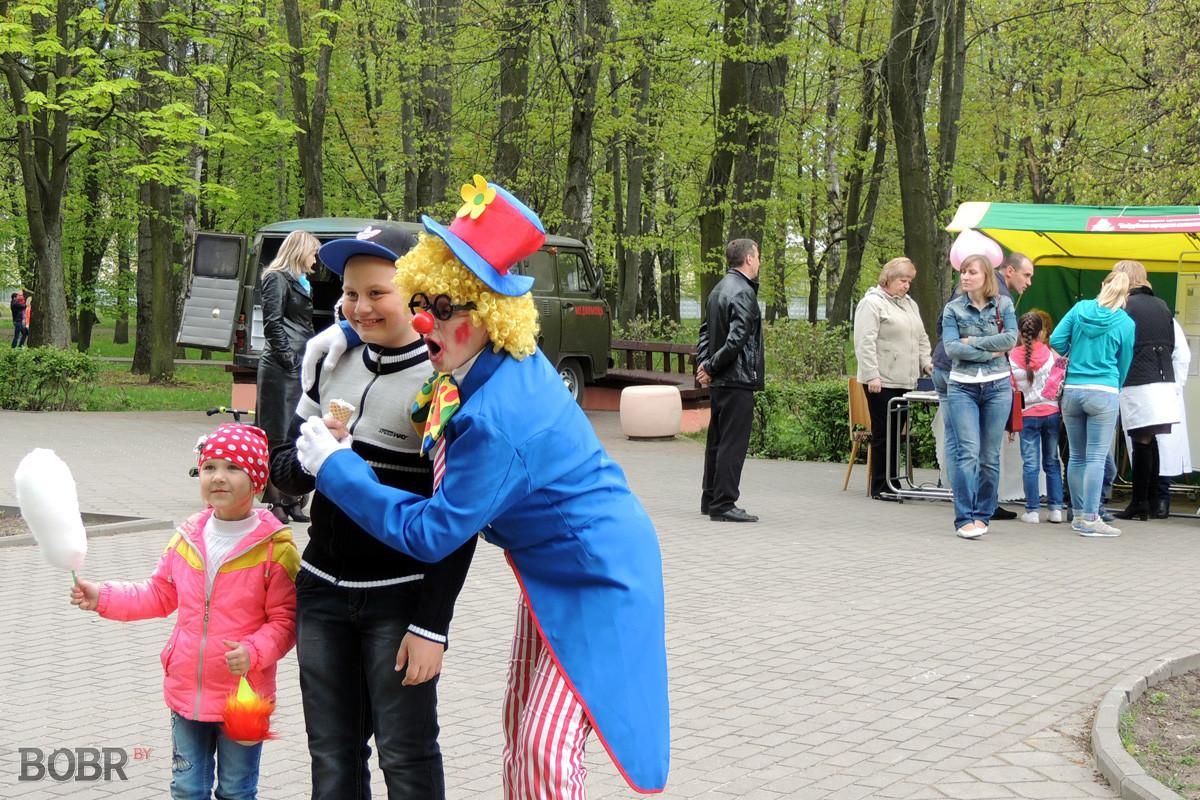 Бобруйчане встретили праздник Весны и Труда