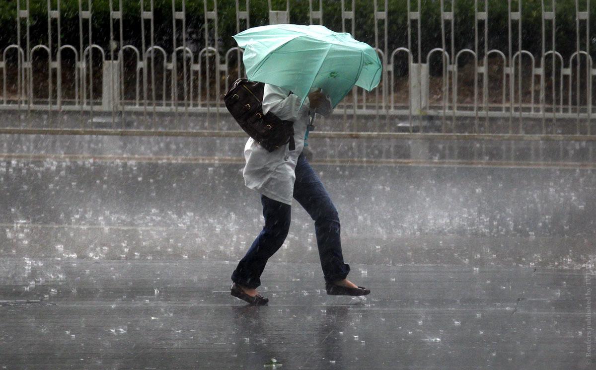 Ливни, ветер и град. Синоптики объявили штормовое предупреждение на 20 июня