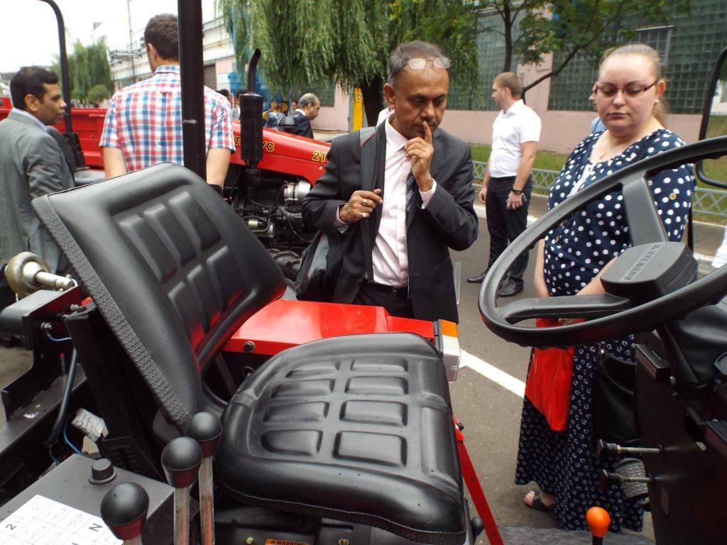 Бобруйское предприятие посетили делегации Индии и Грузии
