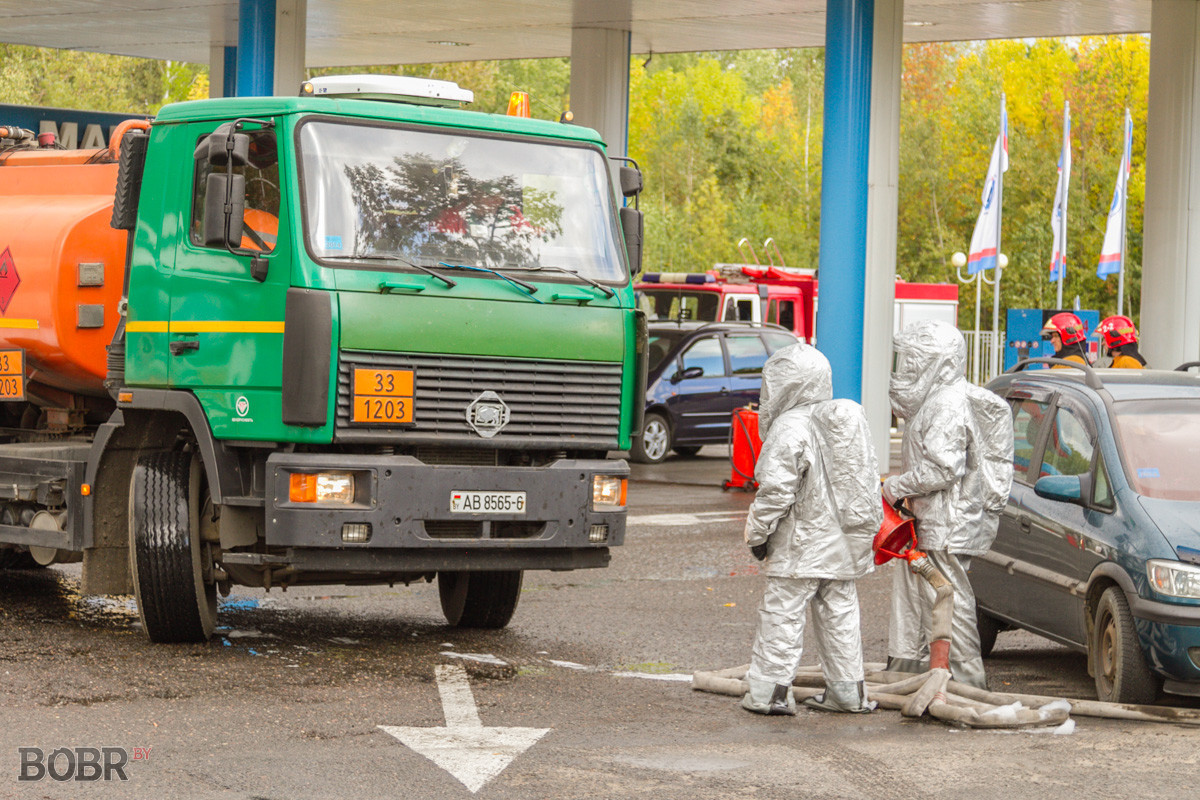 Пожар на АЗС «Славнефть»?