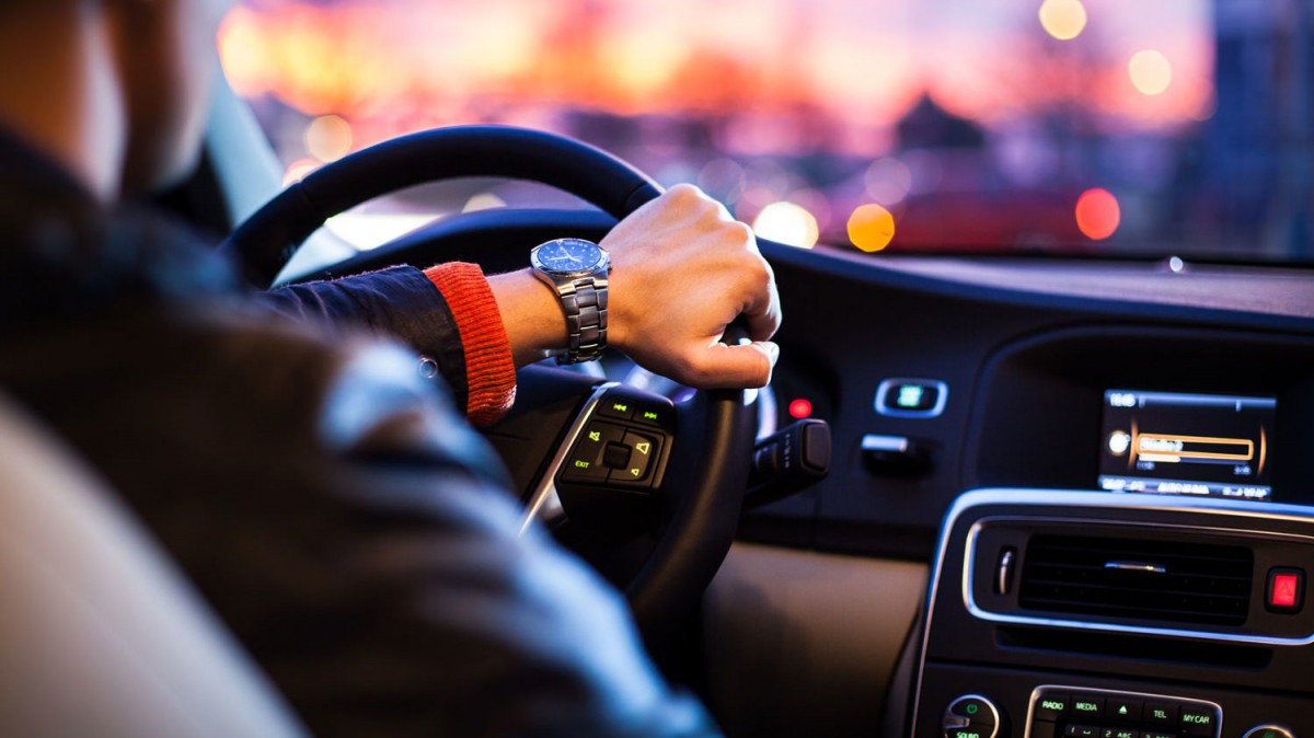 В Беларуси отмечают День автомобилиста и дорожника