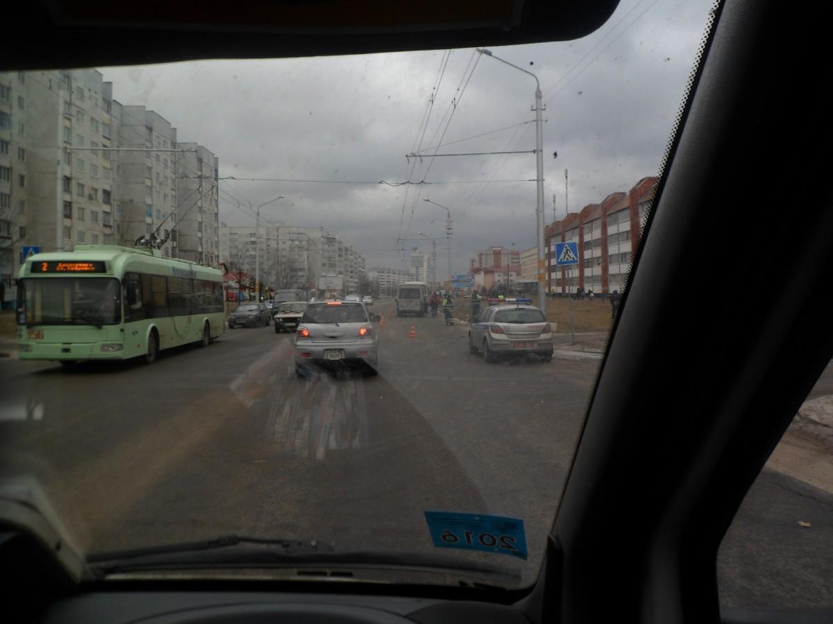 ДТП со смертельным итогом. Маршрутное такси сбило женщину в шестом микрорайоне