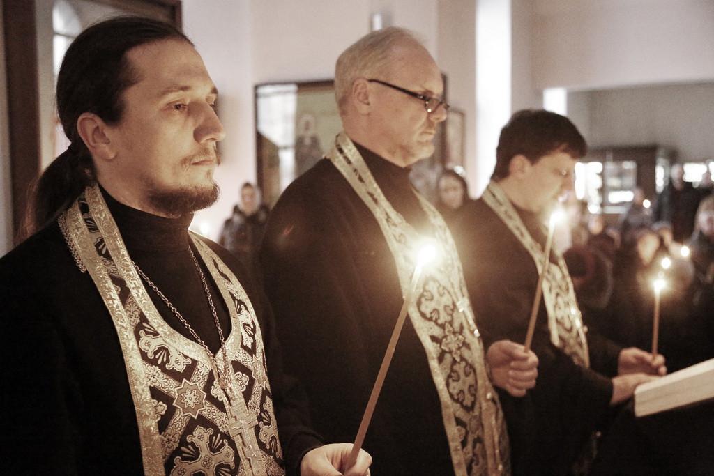 12 марта 2017 года Преосвященнейший Серафим,епископ Бобруйский и Быховский, в сослужении духовенства Никольского кафедрального собора г.Бобруйска совершил вечерню с Акафистом Страстям Христовым (Пассию).