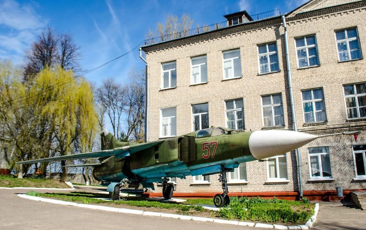 Абитуриентов г.Бобруйска приглашает академия авиации