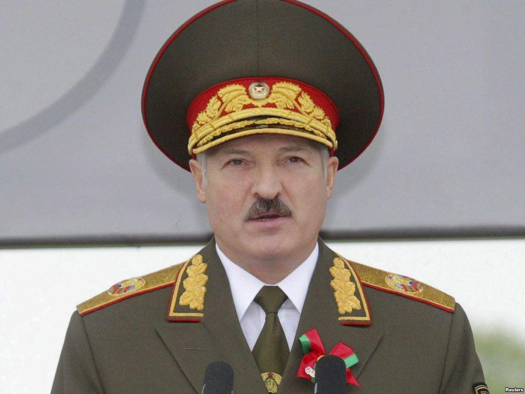 Лукашенко: Беларусь не собирается сворачивать военное сотрудничество с Россией из-за разногласий в других сферах