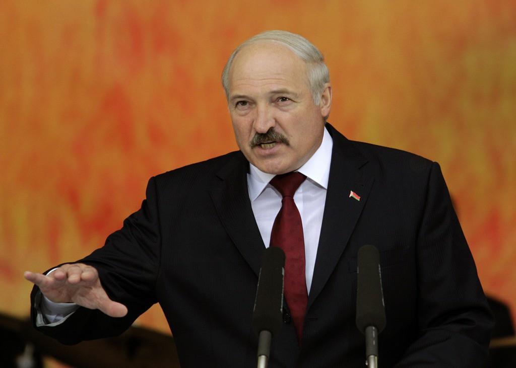 Лукашенко: Меня очень беспокоит информация, которую я получаю. В СМИ чтобы не запугивать, мизер даем