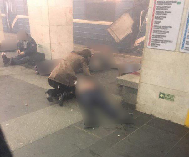 В Санкт-Петербурге произошел взрыв в метро. Есть жертвы