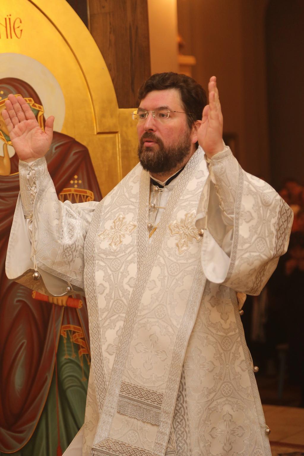 Епископ Бобруйский и Быховский Серафим возглавил торжественное Пасхальное богослужение в Никольском кафедральном соборе