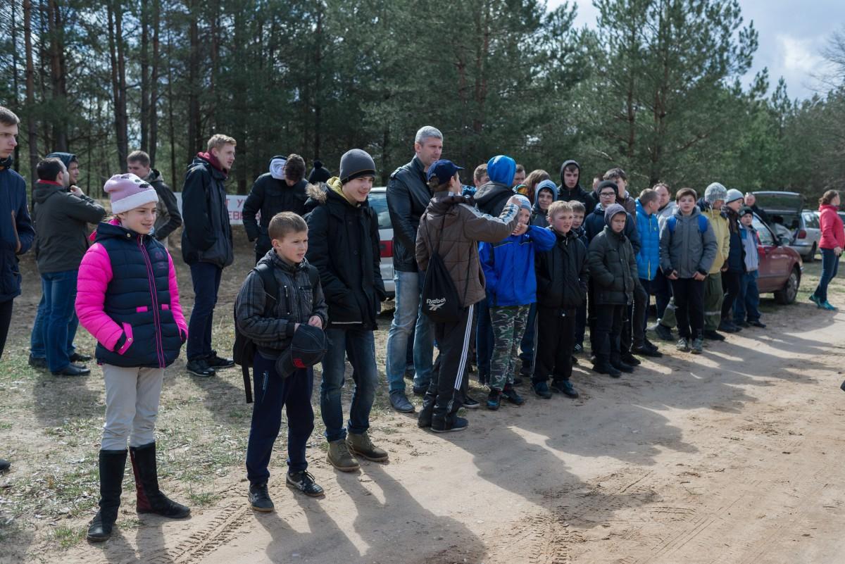 15 апреля гостеприимная Дубовка, Бобруйского района, собрала более 70 человек на берегу прекрасного озера Тарасово, чтобы «помериться силами» на 3 этапе ГУО «Центра туризма, краеведения и экскурсий детей и молодёжи г. Бобруйска» по спортивному ориентированию.