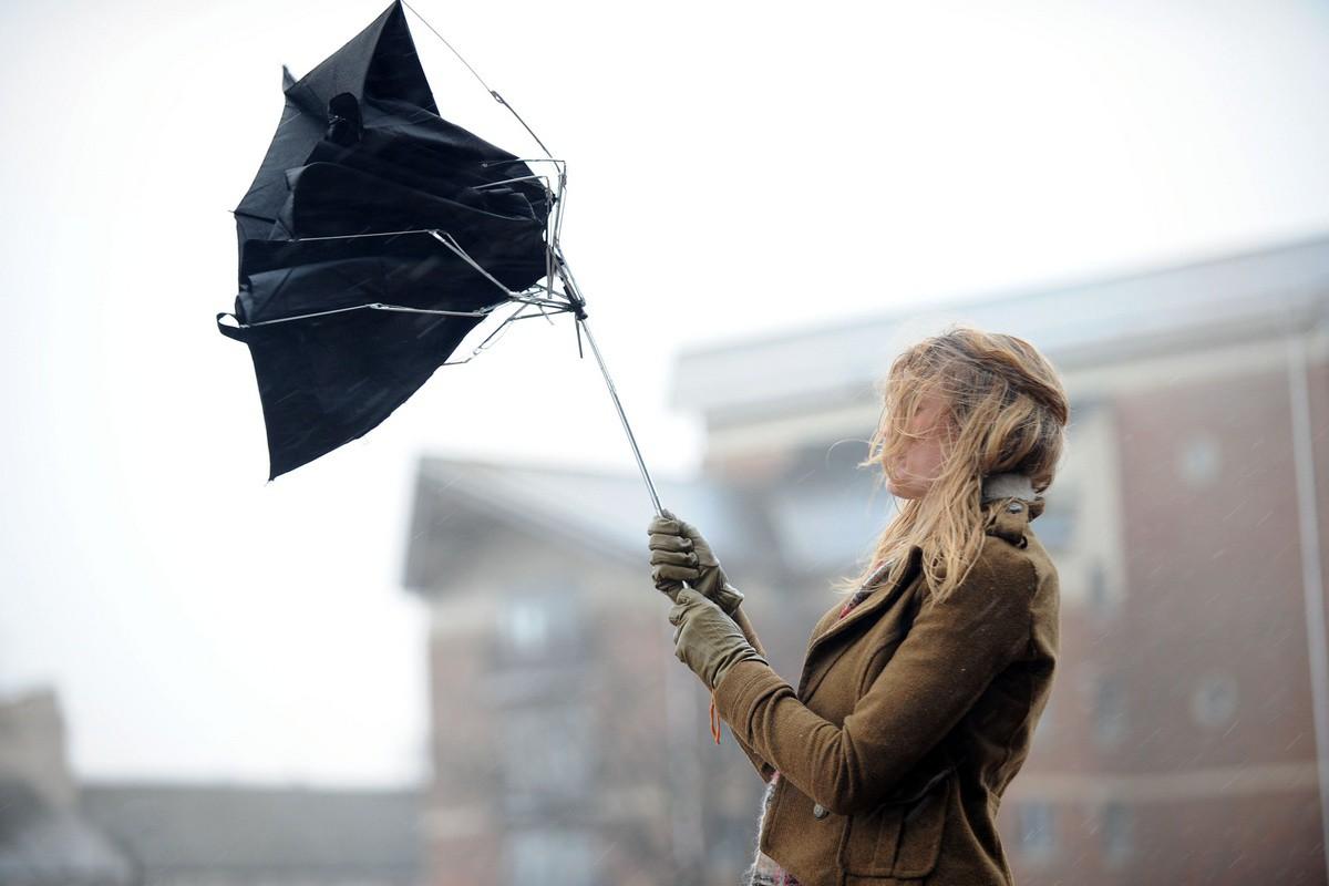 Оранжевый уровень опасности объявлен в Беларуси 21 и 22 апреля из-за сильного ветра