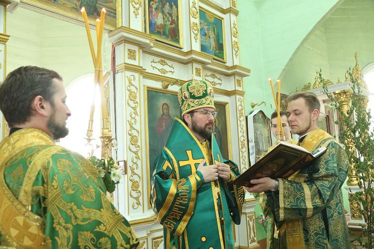 Божественная литургия в День Святой Живоначальной Троицы