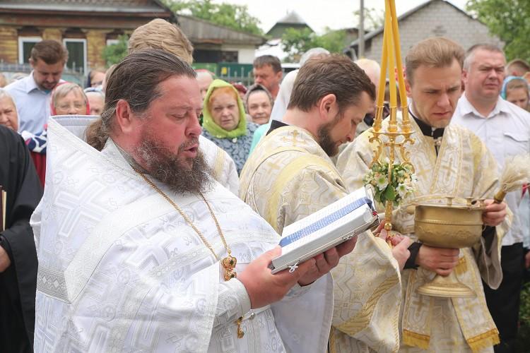 В день Святого Духа епископ Серафим возглавил престольный праздник в Свято-Духовом храме Бобруйска