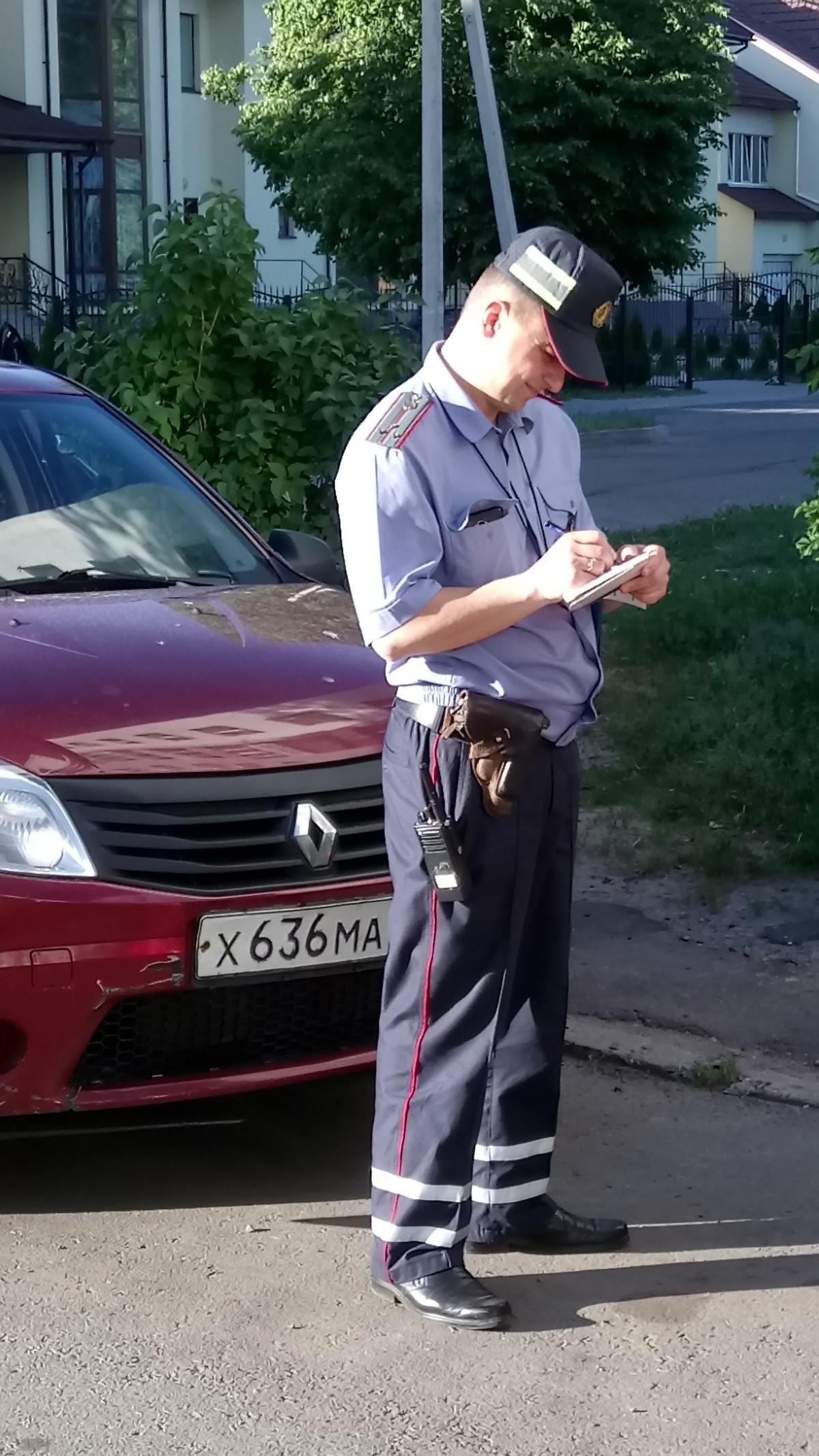 Бобруйчане продолжают игнорировать правила парковки