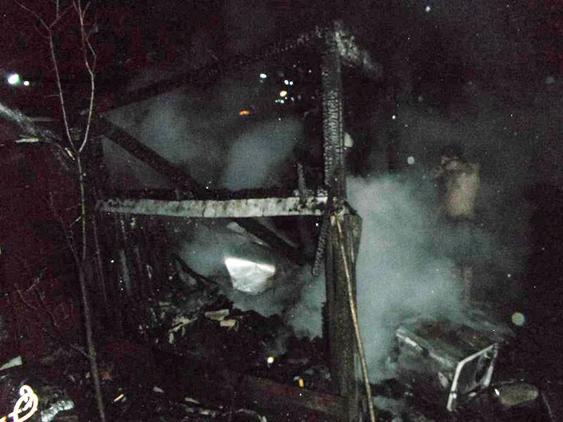 В деревне Бабино-1 горел сарай