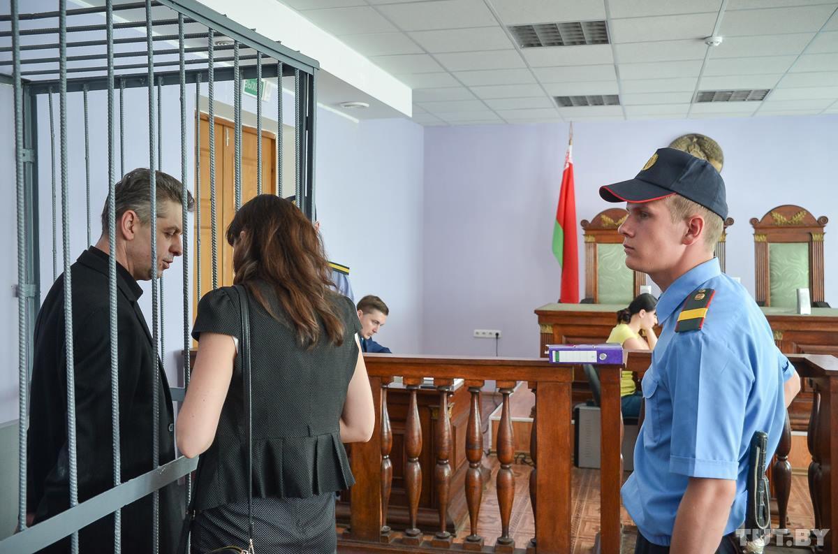 4 тысячи долларов за назначение директора. В Бобруйске судят бывшего мэра города