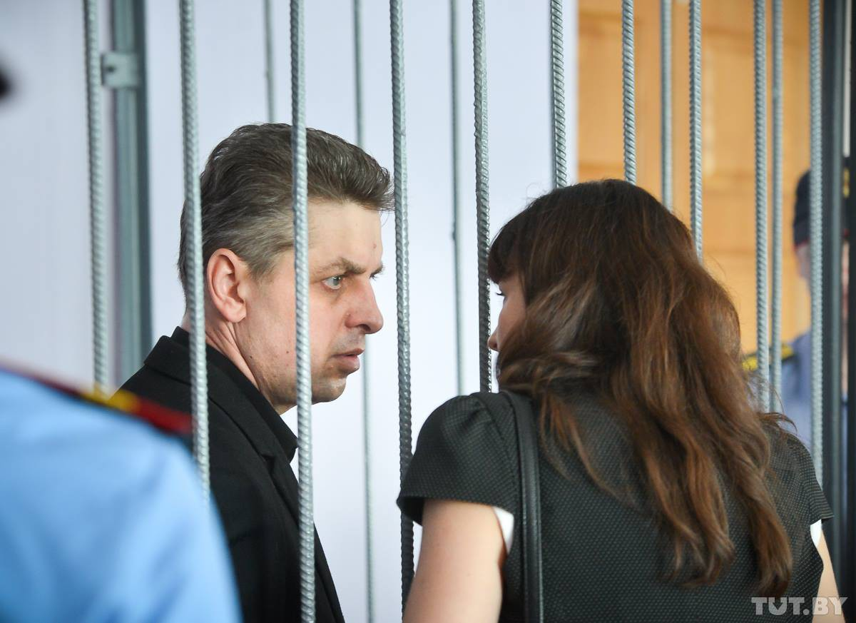 «Тюрьма для меня — огромное испытание». Прокурор попросил приговорить экс-мэра Бобруйска к 8 годам