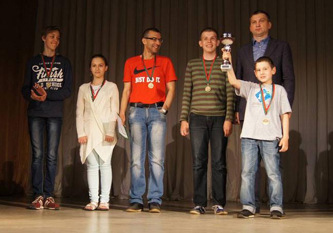 В турнире приняли участие 11 команд из Бобруйска, Гомеля, Могилева, Мозыря, Орши, Рогачева и Смоленска.