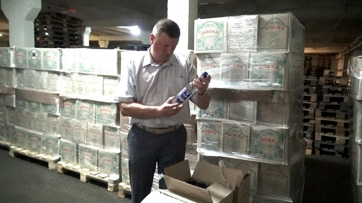 Бобруйчанин перевозил 17 тысяч литров спиртосодержащей жидкости