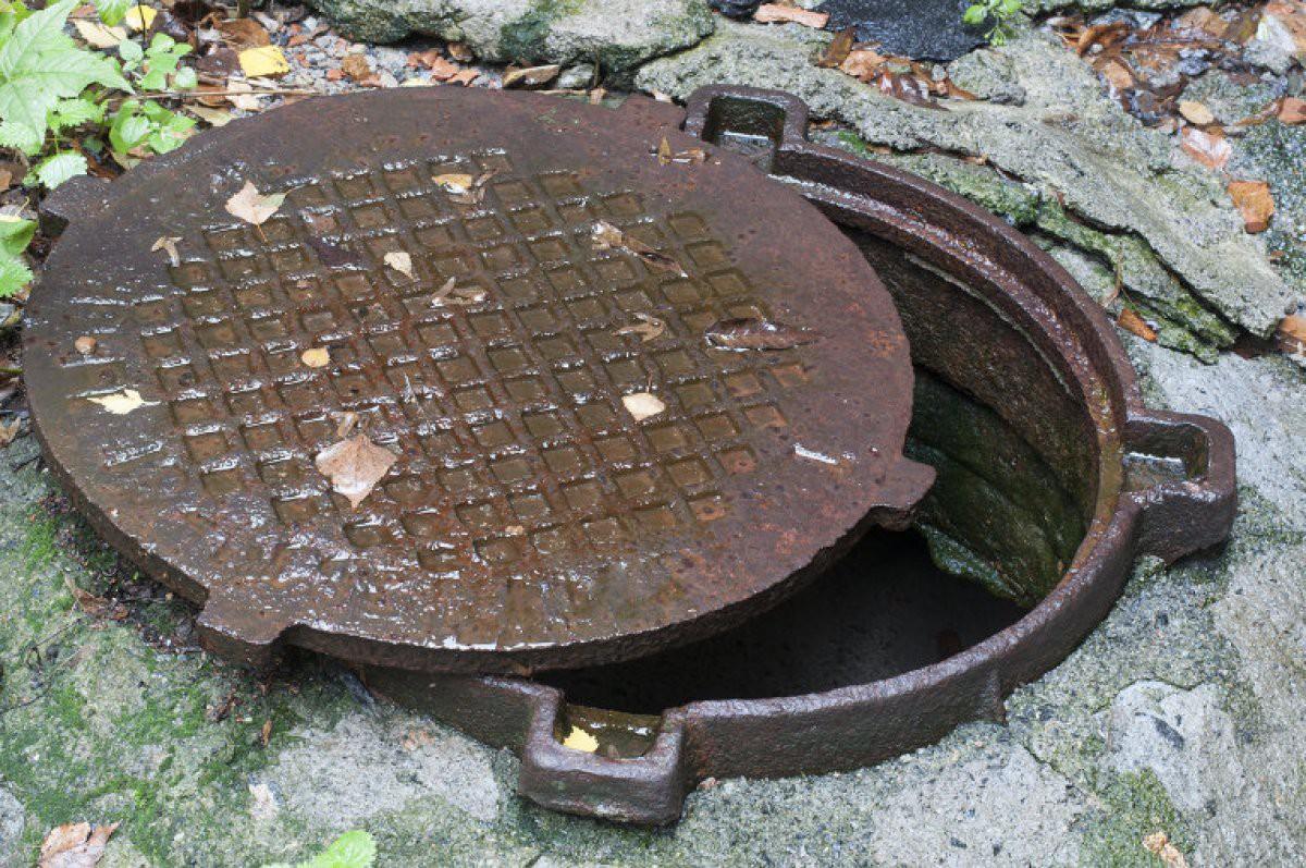 Бобруйчанин утонул в канализационном колодце