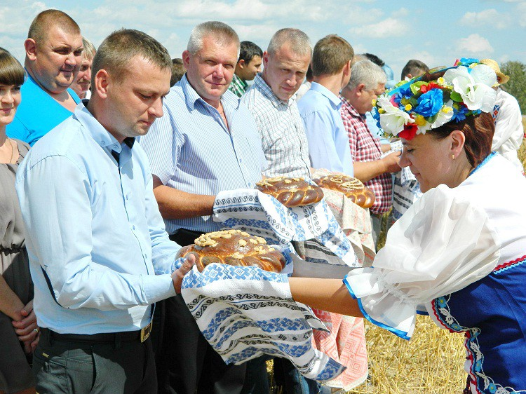 Представитель Бобруйской епархии принял участие в празднике «Зажинки»