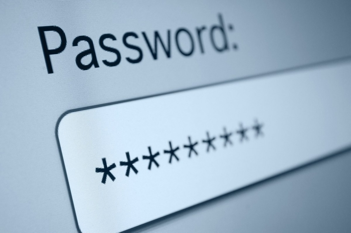Автор советов придумывать короткие и незапоминаемые пароли больше не считает, что это была удачная рекомендация.