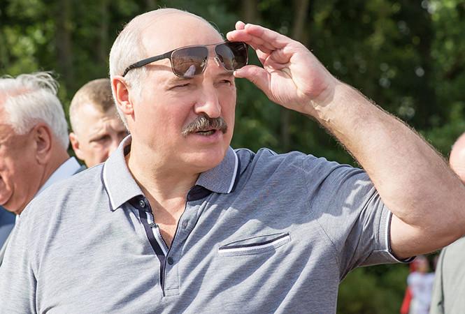 И даже не «попиццот». Лукашенко рассказал, когда средняя зарплата белорусов достигнет 1500 рублей