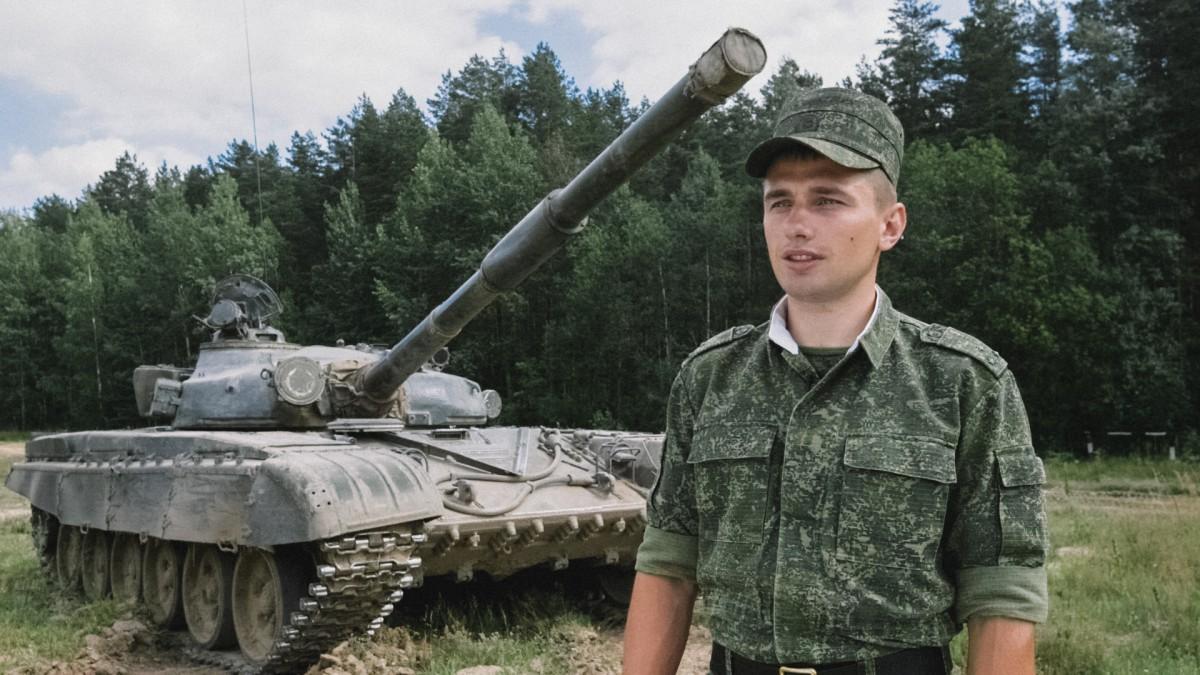 Танкисты ответили трактористу: гигантский логотип World of Tanks появился под Борисовом