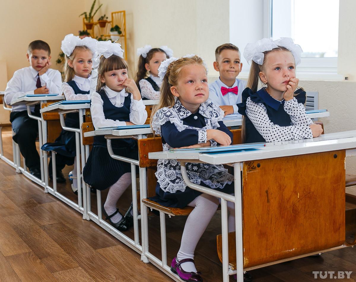 Каждый десятый белорус идет в школу, каждый пятый — учится. В стране отмечают 1 сентября