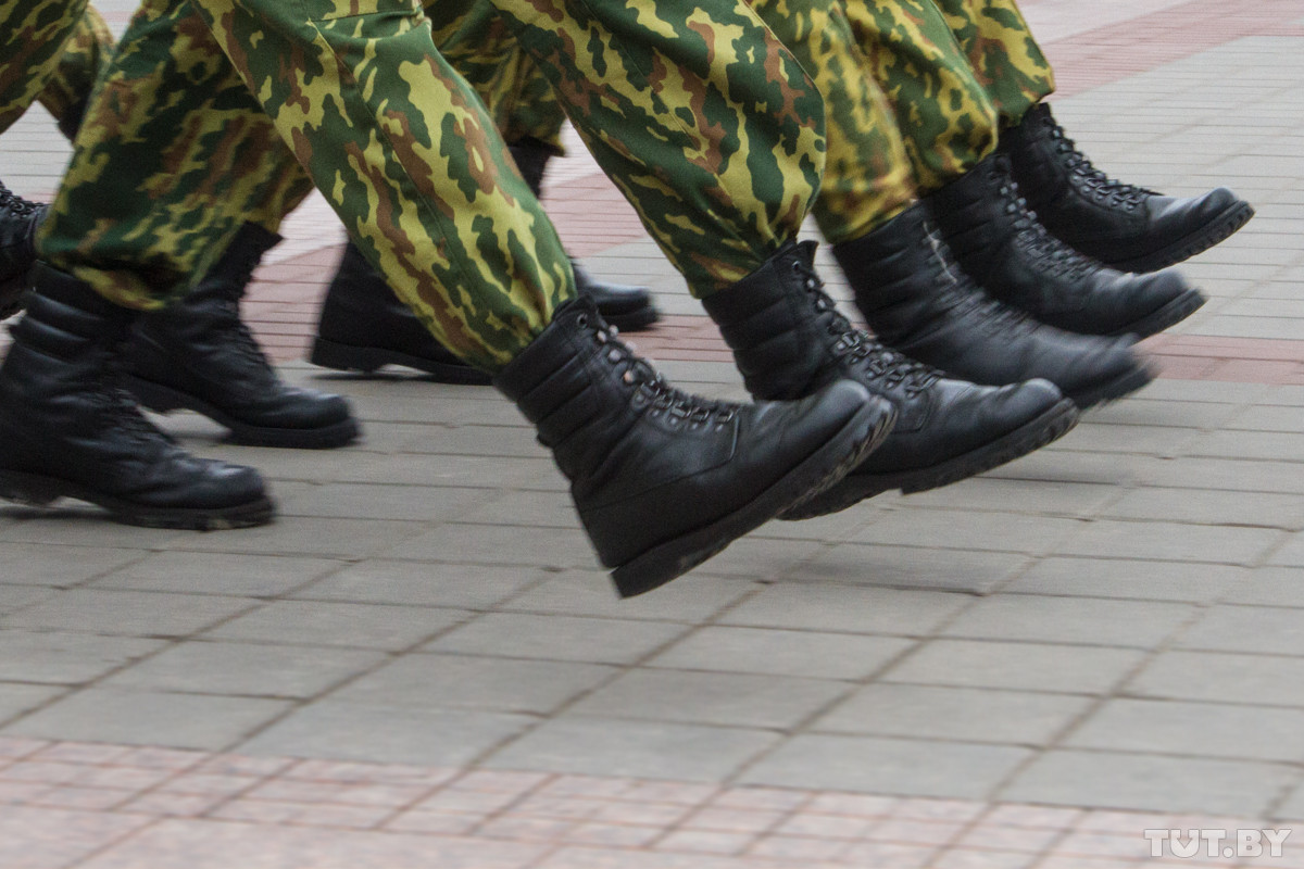 Пенсии военным увеличат в 4 этапа: когда и на сколько вырастут выплаты