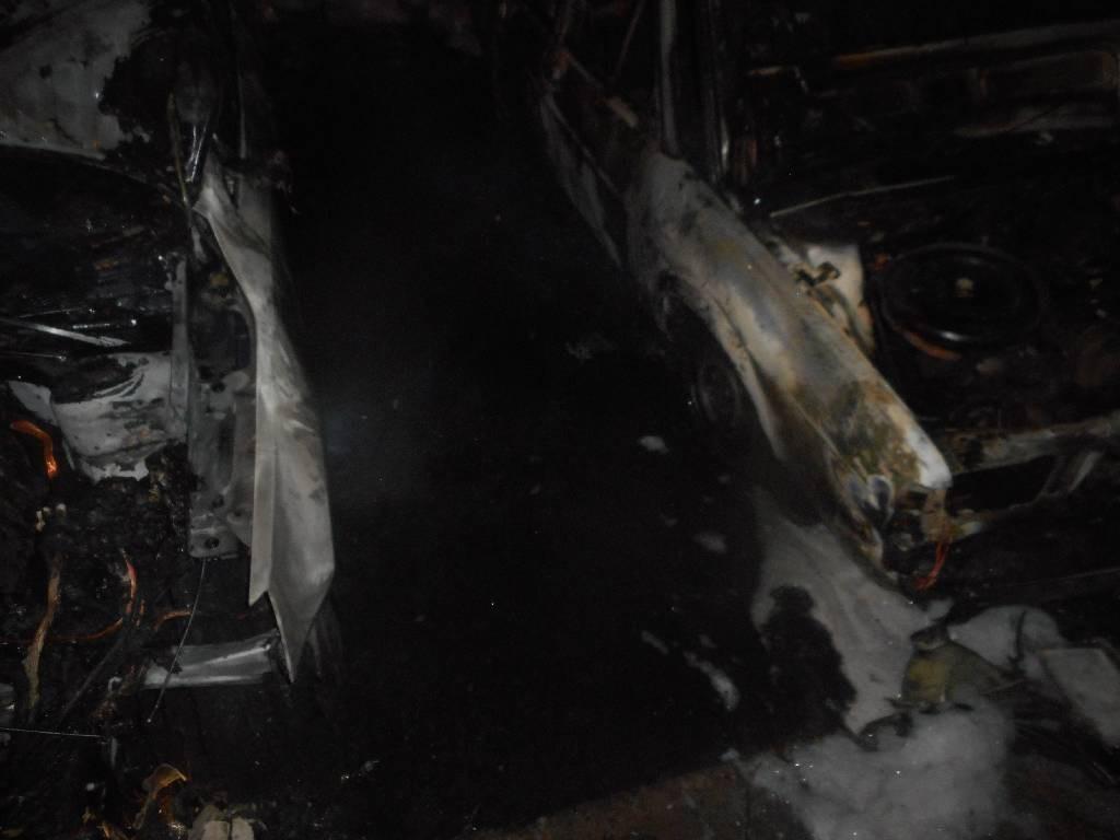 Ночью с 12 на 13 сентября 2017 года поступило сообщение о загорании легкового автомобиля расположенного на дворовой автостоянке по улице Сикорского в г. Бобруйске.