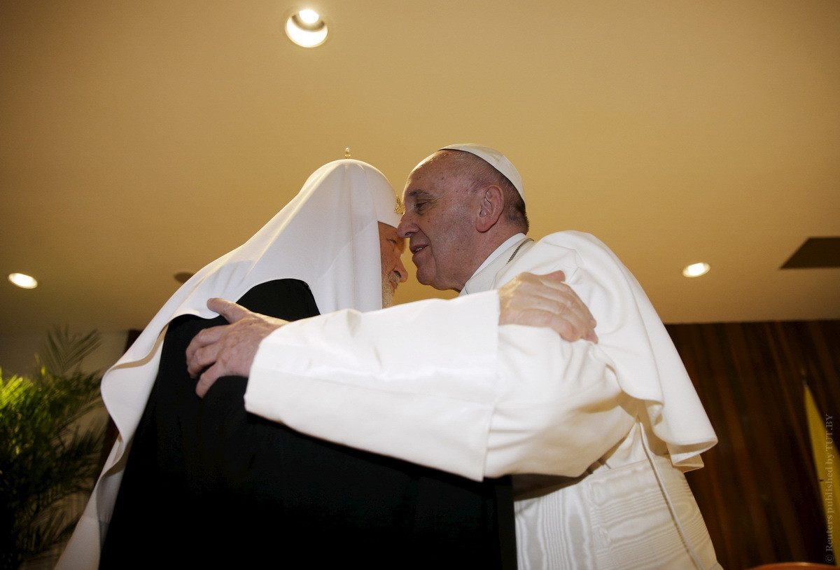 Лукашенко предложил организовать в Минске встречу Патриарха Кирилла и Папы Римского