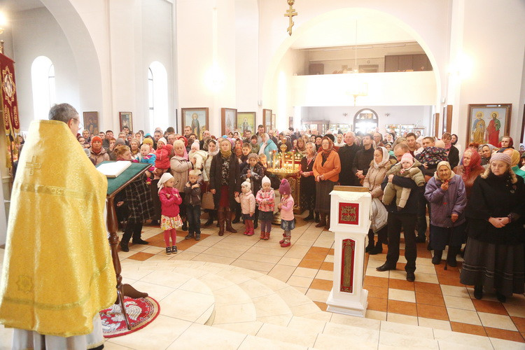 Воскресная Божественная литургия и диаконская хиротония в Никольском кафедральном соборе г. Бобруйска
