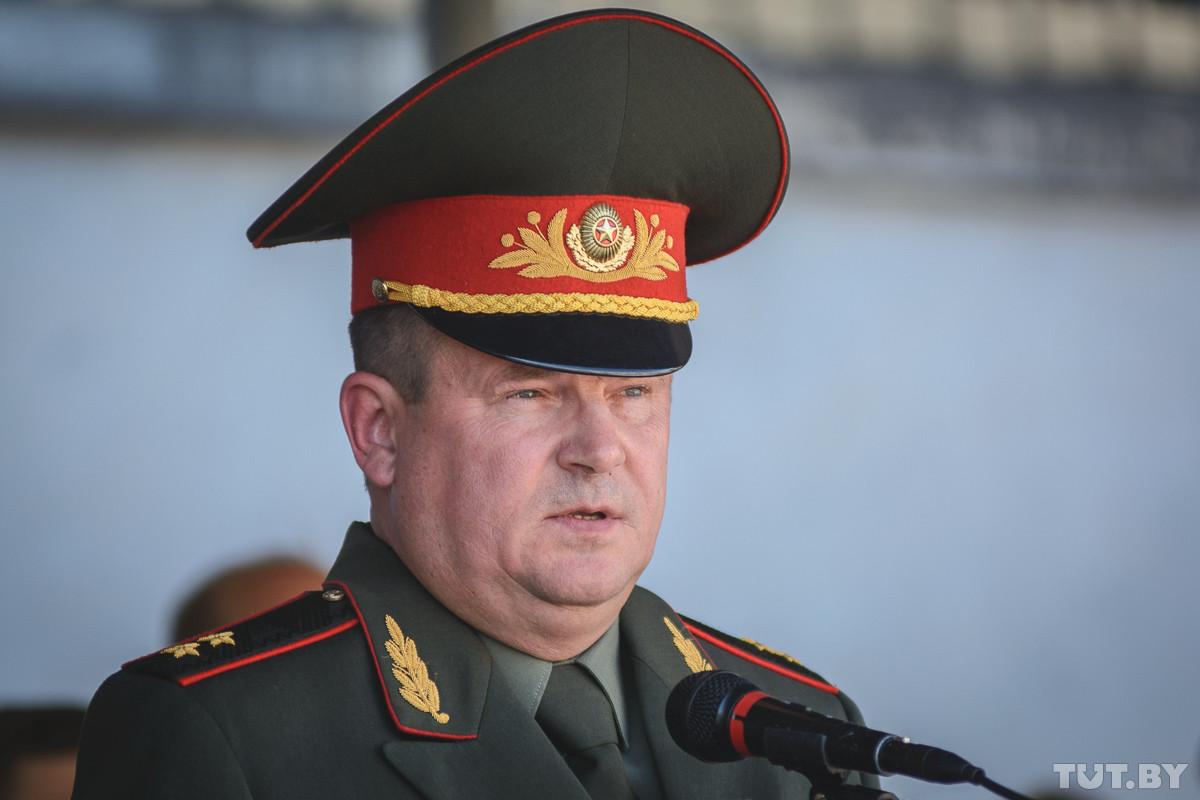 «Командиры должны отвечать за подчиненных». Министр обороны прокомментировал гибель солдата в Печах