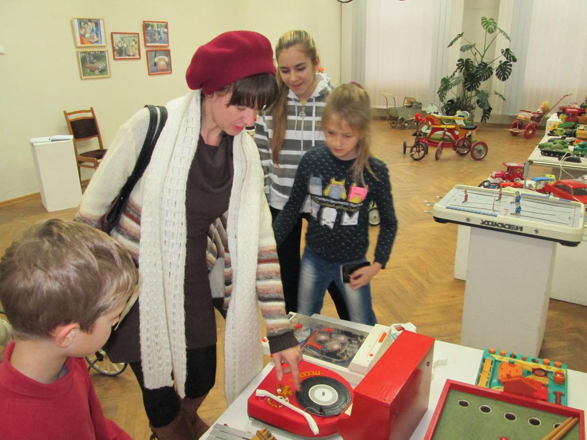 Учащиеся  Центра творчества детей и молодежи посетили уникальную музейную экспозицию «Живопись Земли»