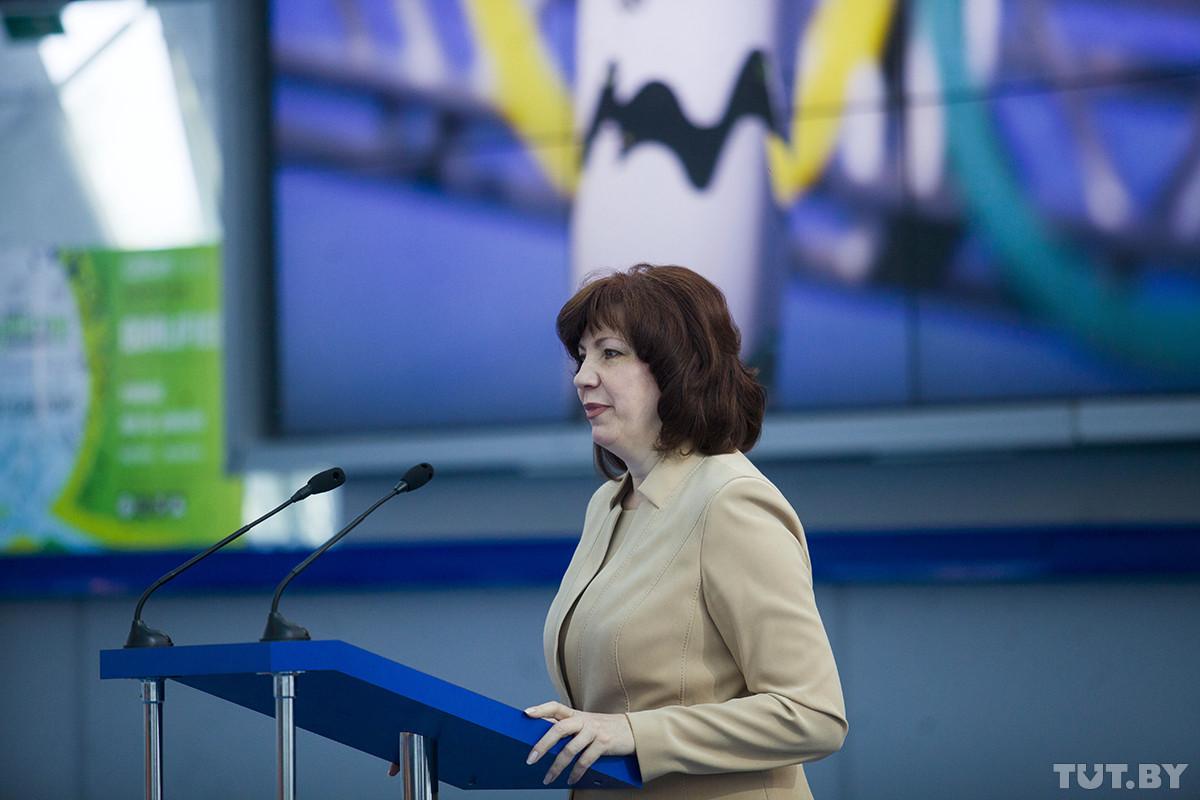 Кочанова — про декрет №3, полмиллиона тунеядцев, трудовых мигрантов и регионы, где нет работы